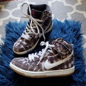 online store 806f6 d9ce4 Nike SB Dunk High Pro